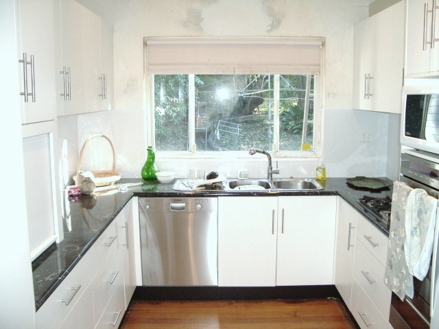 Remodelling your kitchen benchtops by custom home builder for Laminex kitchen designs